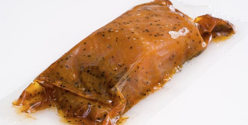 salmone sottovuoto a scaglie